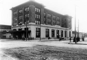 LIRR Headquarters after construction in 1913